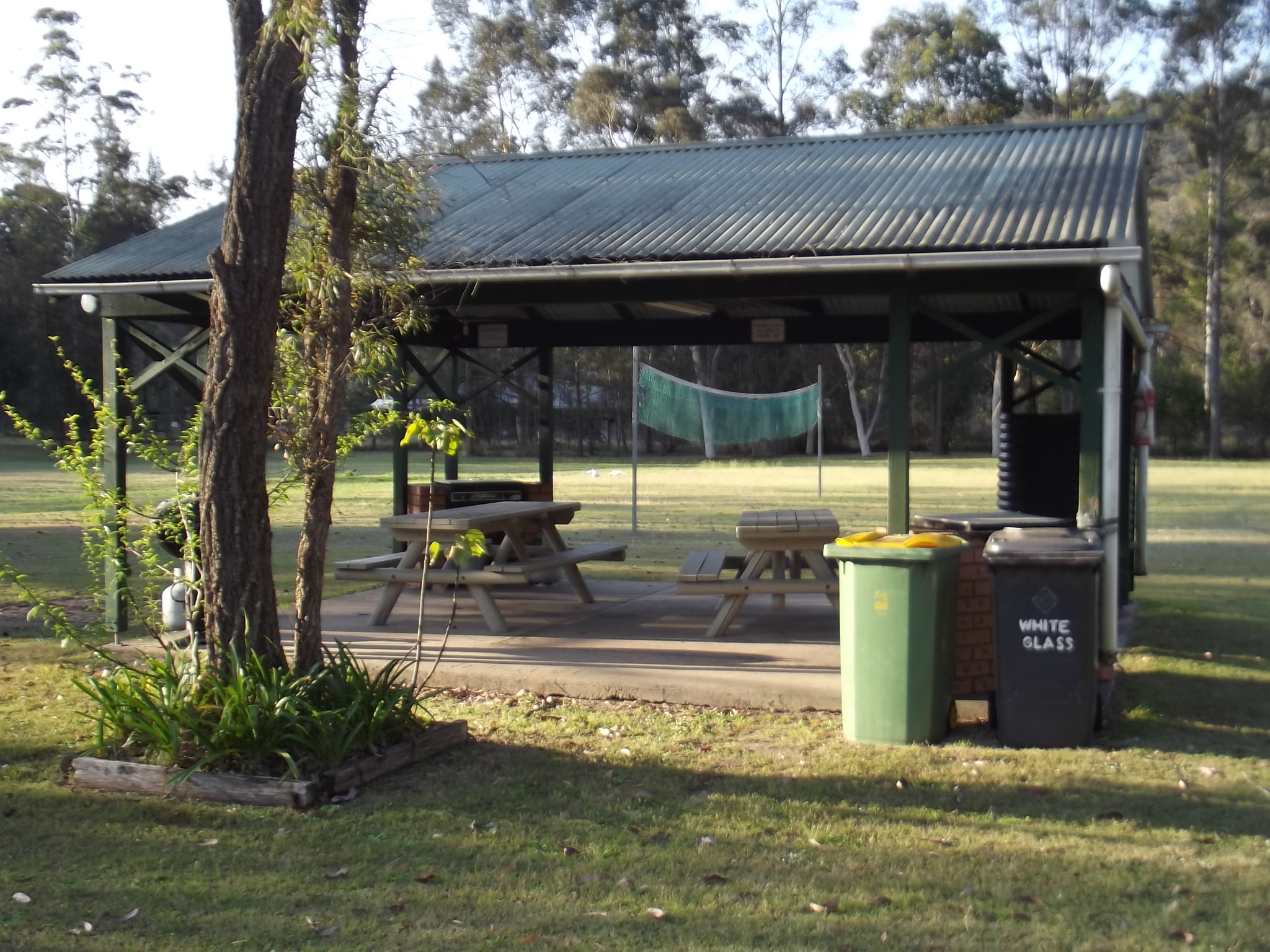 Bbq Area 1 Colo River Holiday Park