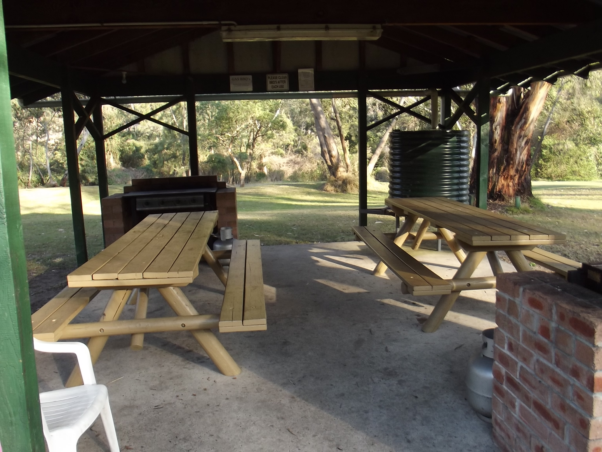 Bbq Area 3 Colo River Holiday Park